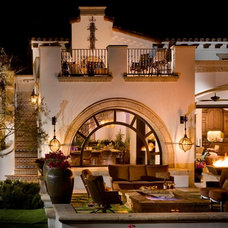 Mediterranean Patio by South Coast Architects, Inc.