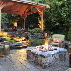 traditional patio by Alderwood Landscaping