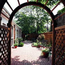 Eclectic Patio by Bud Dietrich, AIA