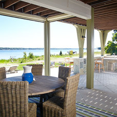 Beach Style Patio by Visbeen Architects