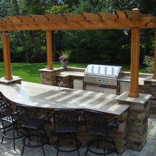 Traditional Patio by Platinum Site Development