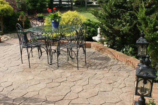 Traditional Patio by Illuminations of the Triad