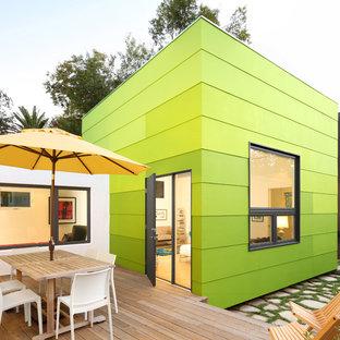Idee per un patio o portico minimal dietro casa con pedane