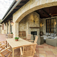mediterranean patio by Design Visions of Austin