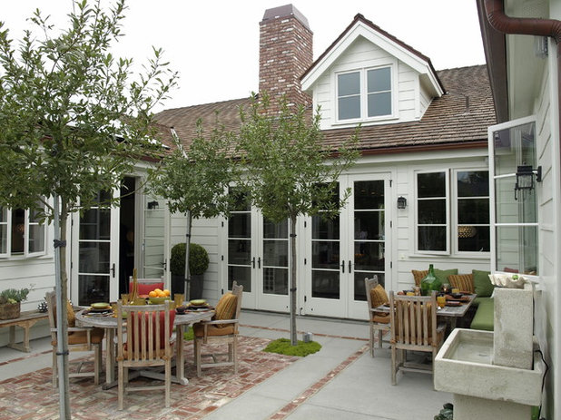 Traditional Patio by Bill Cope Design
