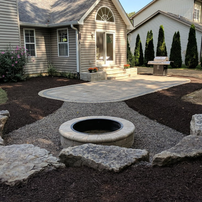 Chesterton, Beautiful Back Yard Patio & Fire Pit