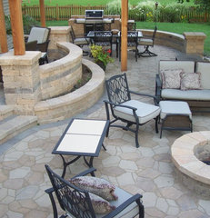 traditional patio by American Bluegrass Landscaping Inc