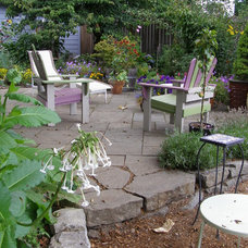 Traditional Patio by Apogee Landscapes LLC