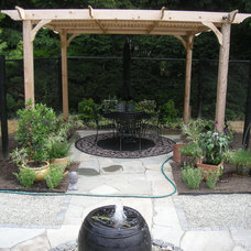 Traditional Patio by Accents of Nature Landscaping