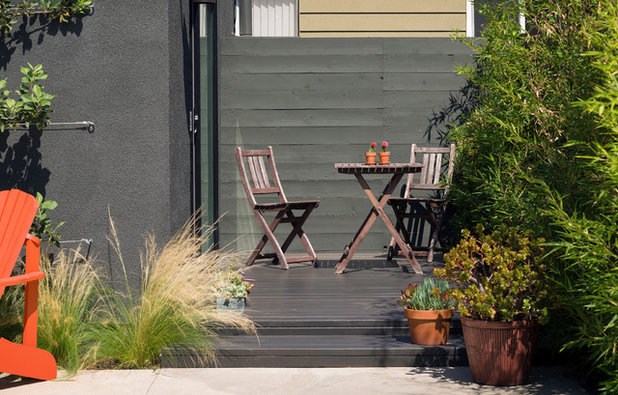 Contemporary Patio by Oonagh Ryan Architects Inc