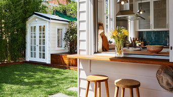 Balmain cottage - deck and kids' cubby house