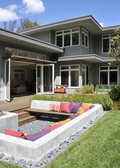 Contemporary Patio by Ana Williamson Architect