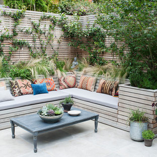 Photo of a contemporary patio in London.