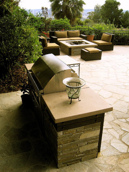 modern patio by Gilson Group Landscape Design