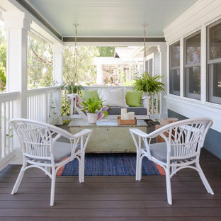 Inspiration for a coastal front yard patio kitchen remodel in Orange County