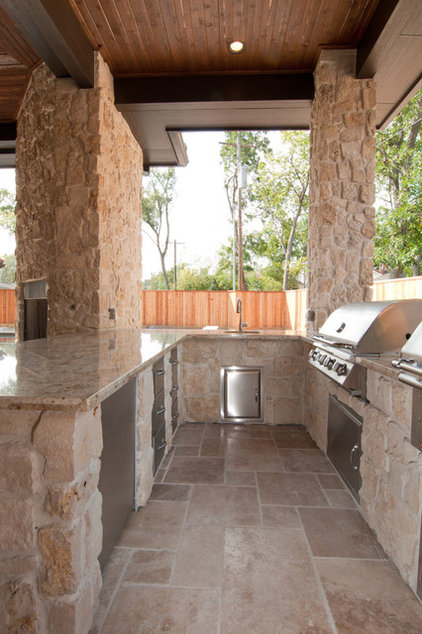 Traditional Patio by Iron Gate Build and Design Inc.