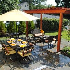 Traditional Patio by Jacobsen Landscape Design & Construction