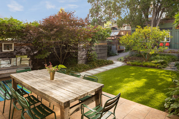 Traditional Patio by Ian Moore Design