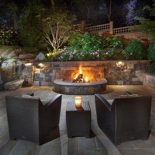 Ispirazione per un patio o portico american style
