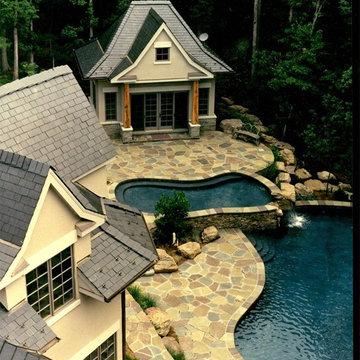 Blended Irregular Flagstone Pool Deck and Coping