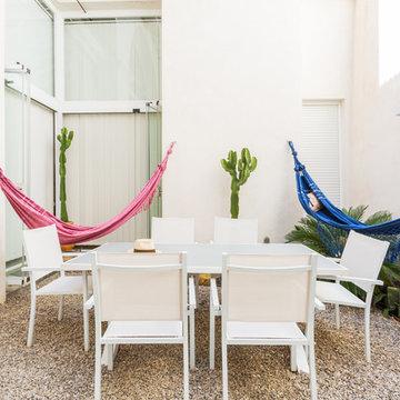 Bodega convertida en dos apartamentos dúplex. Arq.: Ramón Gómez