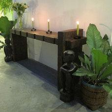 Eclectic Patio Bonoan Lanai / Patio