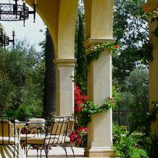 Mediterranean Patio by Sinclair Associates Architects