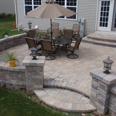 Traditional Patio by Unibase Proscapes