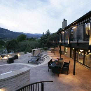 Modelo de patio tradicional renovado grande