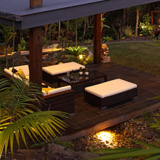 Tropical Patio by Living Style Landscapes