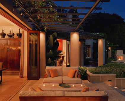 mediterranean patio by Buttrick Wong Architects