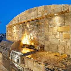California Dreaming - Outdoor kitchen with oversize grill, warming drawer, side burner, fridge