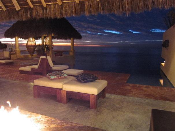 Tropical Patio by No Mas! Productions, Inc