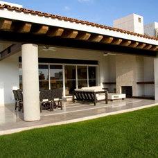 Contemporary Patio by Arquitectura Mas