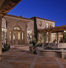 mediterranean patio by Candelaria Design Associates