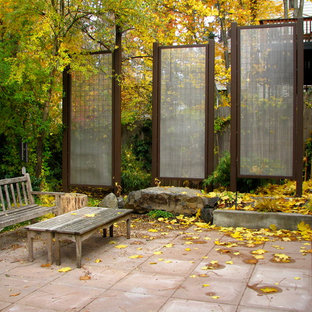 Example of a classic patio design in Seattle