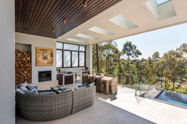Contemporary Patio by Carty Homes
