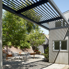 Contemporary Patio by Cary Bernstein Architect
