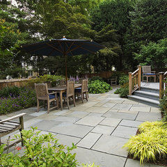 traditional patio by Cathy Carr, APLD