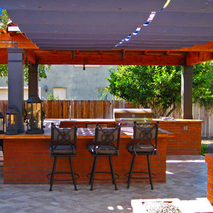 Inspiration for a timeless patio kitchen remodel in Phoenix