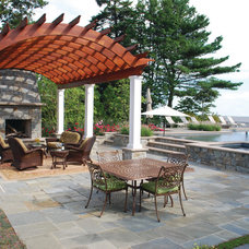 Tropical Patio by Walnut Hill Landscape Company