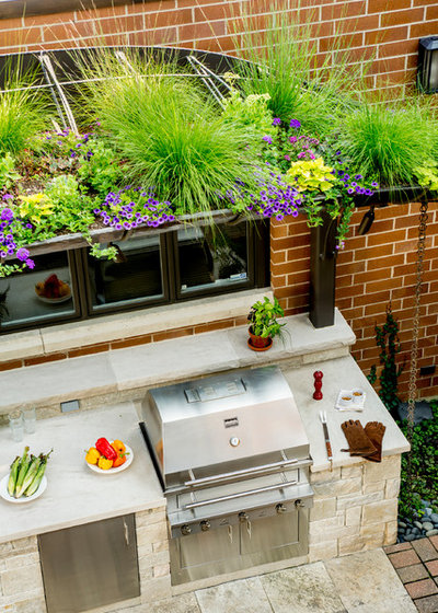 Traditional Patio by Kalamazoo Outdoor Gourmet