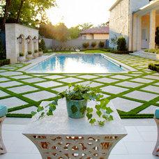 Traditional Patio by Matthew Murrey Design
