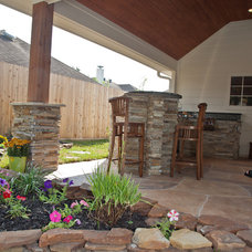 Traditional Patio by Your Great Outdoors