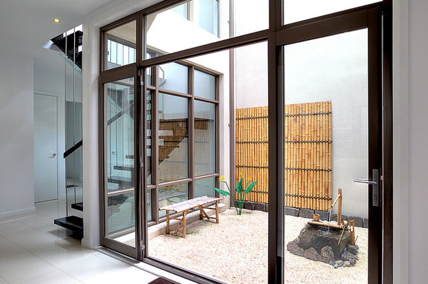 Asian Patio by Manias Associates Building Designers