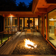 Contemporary Patio by SALA Architects