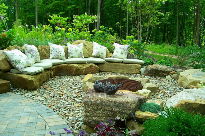 Traditional Patio by Healy Design Inc.
