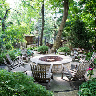 Colorful Outdoor Living in Glenview