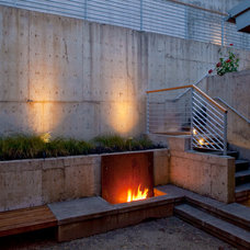 Contemporary Patio by Scott Edwards Architecture