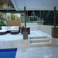 Modern Patio by Leigh Willert Outdoors